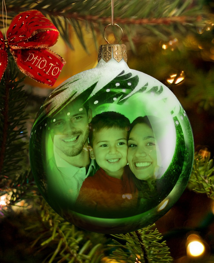 Christmas bauble card with online Christmas decorations and a family photo.