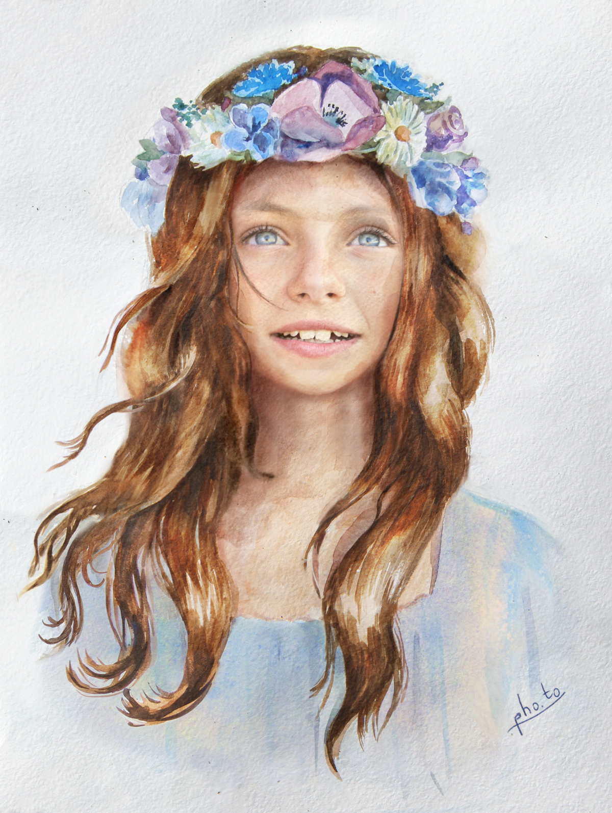 A fairy-looking flower girl with a nice flower crown