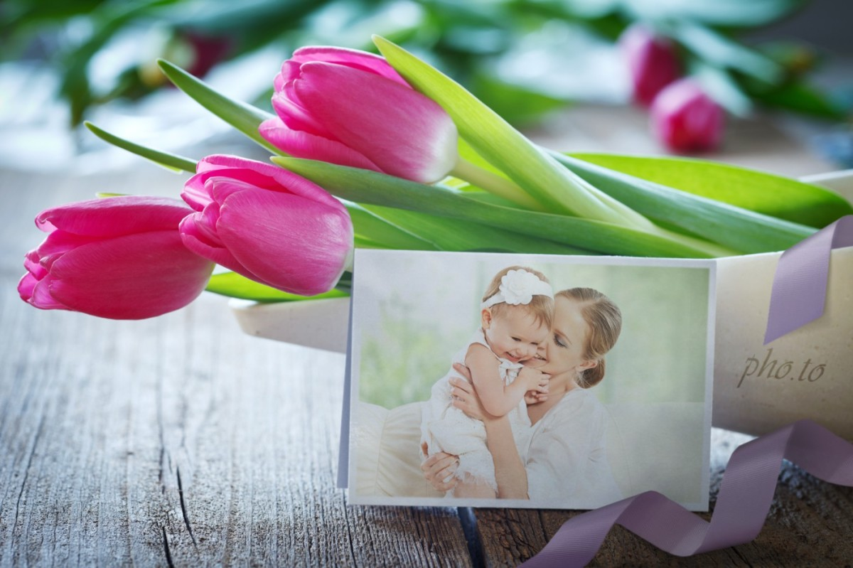Tulips birthday card maker to surprise your loved ones.