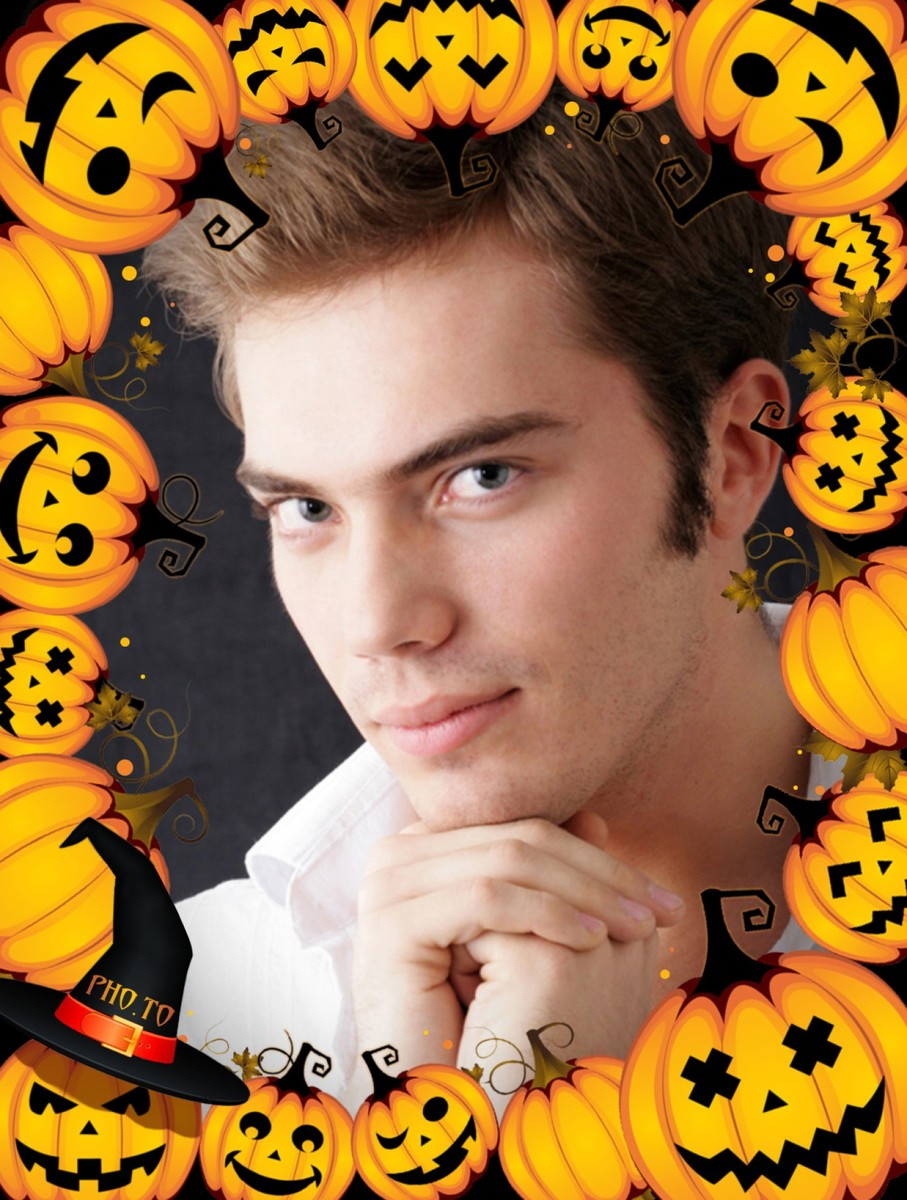 Halloween frame with pumpkins to make funny scary e-cards online.