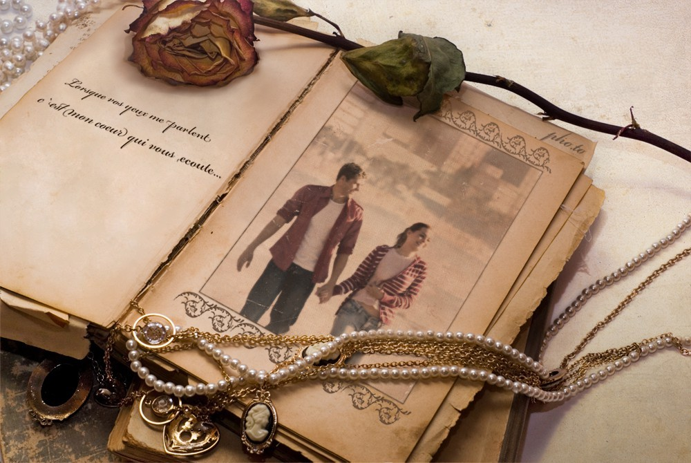 Vintage Memories Frame photo template is great for people of all ages.