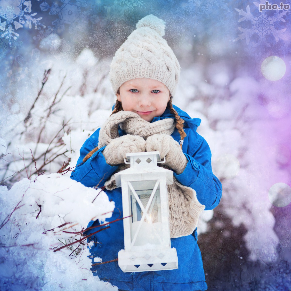 Child's winter photo is more snowy now with  online winter photo frame.