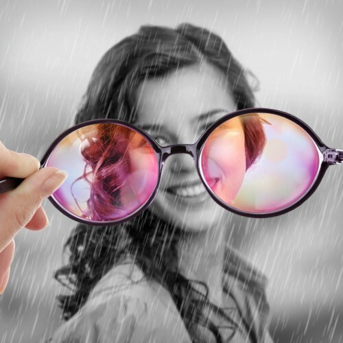 Dreamy photo effect: look through rose-colored glasses