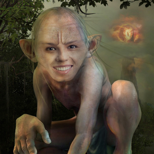 Gollum face in hole maker: become a Smeagol in a click!